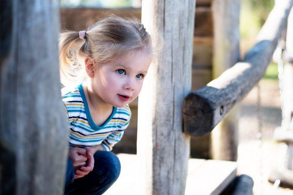 Spaß auf dem Spielplatz – Kinderfotos