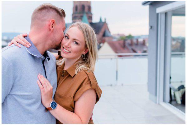 Paarfotos – Über den Dächern der Stadt